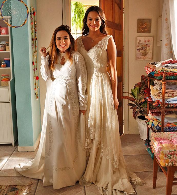 Tatá e Bruna aparecem lindas e radiantes vestidas de noiva  (Foto: Ellen Soares/Gshow)