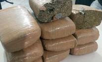 PM apreende quase 10kg de maconha, além de crack em vila de Caruaru (Divulgação/Polícia Militar)