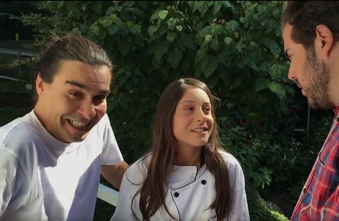 Valentina entrega o pai, André Gonçalves, em entrevista com Ceylão (Foto: Gshow)