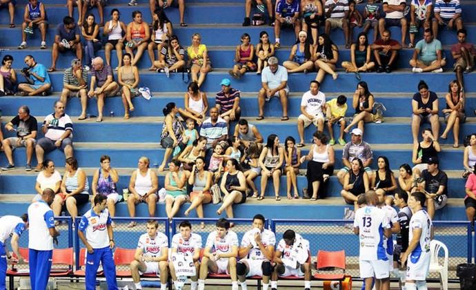 Vôlei Taubaté torcida Clube de Campo Abaeté (Foto: Reprodução/ Facebook)