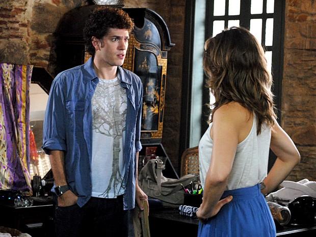 Gabriel descobre que Alexia viajou para o Canadá (Foto: Malhação / TV Globo)