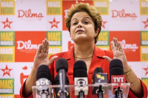 """A presidente Dilma Rousseff, candidata à reeleição pelo PT, participa do Encontro """"Diálogos Conectados, um papo sobre direitos e Internet"""", nesta terça-feira (9), no Sindicato dos Engenheiros, em São Paulo (Foto: Vanessa Carvalho/Brazil Photo Press/Estadão Conteúdo)"""