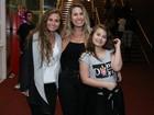 Filha de Andréia Sorvetão rouba a cena em noite teatral no Rio