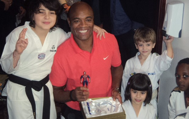 Anderson Silva vira embaixador do taekwondo no Brasil (Foto: Matheus Tiburcio / Globoesporte.com)