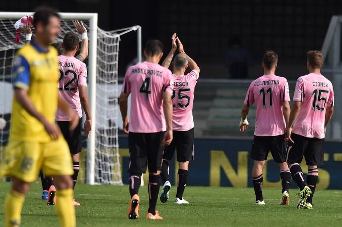 Jogadores do Palermo agradecem à torcida (Foto: Tullio M. Puglia/Getty Images)
