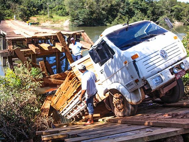 Acidente assustou motoristas que passavam pelo local (Foto: Prefeitura/Sorriso)