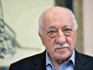 Turquia exige extradição do clérigo Fethullah Gülen, que vive nos EUA