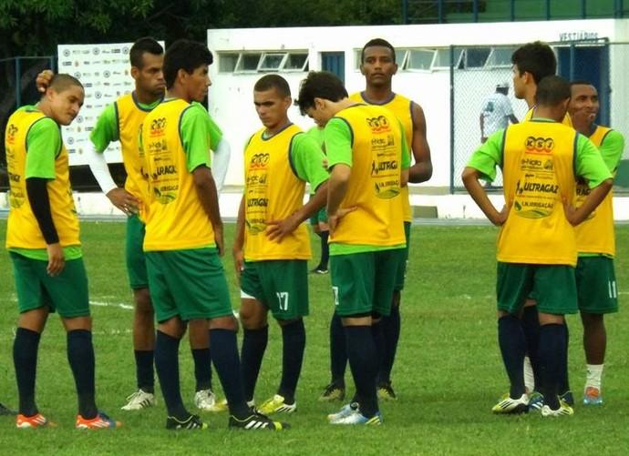 Fernando Tonet comanda treino do Parnahyba (Foto: Renneé Fontenele/portalazulino)