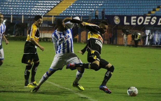 Na última partida, os times empataram em 2 a 2 na Ressacada (Foto: Jamira Furlani/Avaí FC)