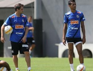 Montillo e Cícero em treino do Santos (Foto: Divulgação Santos FC)