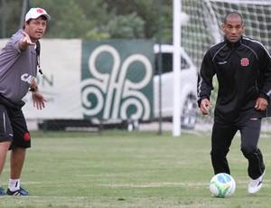 Rodrigo Souto e Adilson Baptista Vasco (Foto: Marcelo Sadio / Flickr do Vasco)