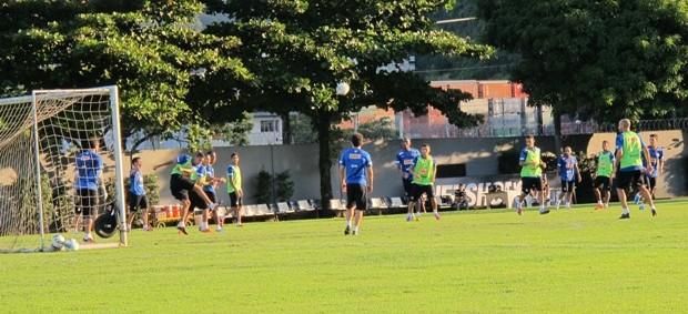 Santos treino (Foto: Lincoln Chaves / globoesporte.com)