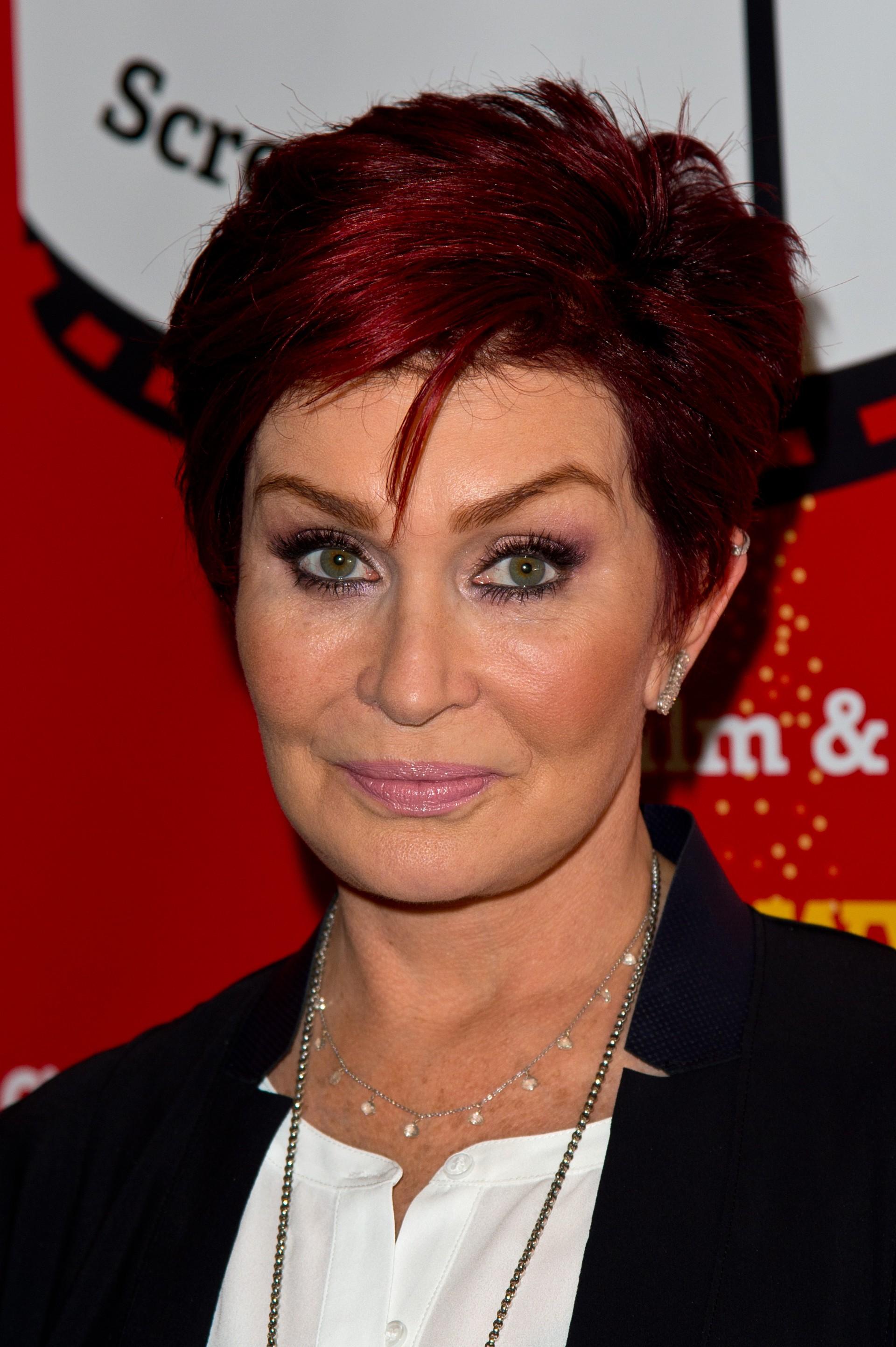 A produtora revelou sua luta contra um câncer de cólon em 2002 durante o reality show da MTV, 'The Osbournes'. (Foto: Getty Images)