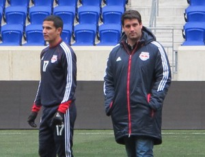 Tim Cahill e Ricardo Campos New York Red Bull (Foto: Gustavo Rotstein)