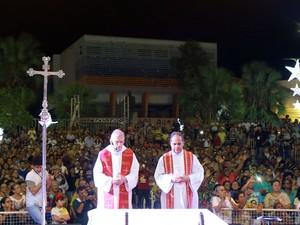 Festa de Santa Luzia começou nesta quarta-feira (3) com a presença de milhares de fiéis (Foto: Raul Pereira)