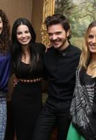 Famosas participam de inauguração de salão de beleza no Rio