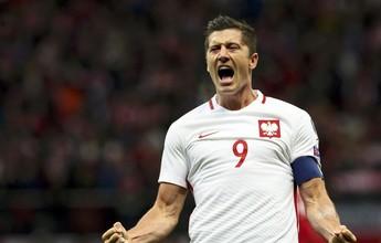 Lewandowski marca três vezes , e Polônia bate a Dinamarca em casa