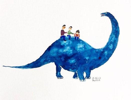 Os três netos em cima de um dinossauro (Foto: Reprodução - Instagram)