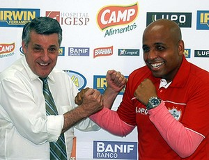 Jaime Marcelo, lutador de MMA, fechando com a Portuguesa (Foto: Reprodução Site Oficial Portuguesa)