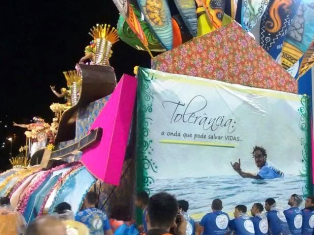 Ricardo dos Santos é homenageado pela União da Ilha (Foto: Cristiano Anunciação/ G1)