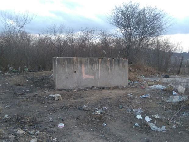 Cisterna estava vazia e seria limpa nesta segunda-feira (24) (Foto: Sandra Paula / TV Paraíba)