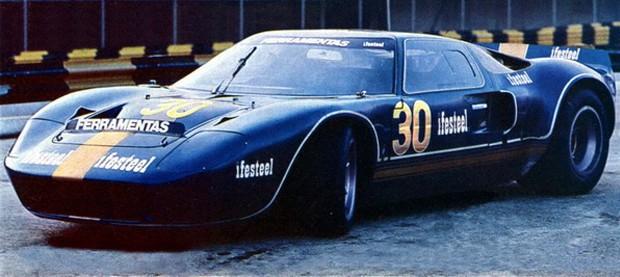 O Ford GT40 em1973. Piloto, Arthur Bragantini. (Foto: Reprodução/Revista Auto Esporte)