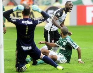 Palmeiras x Corinthians Fernando Prass Vagner Love Amaral (Foto: Marcos Ribolli)