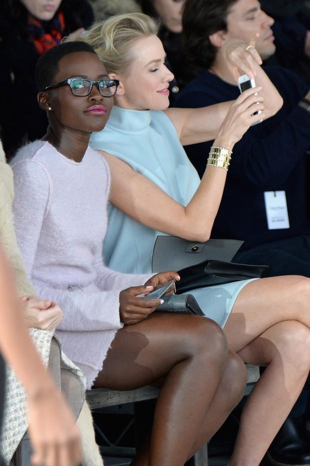 Lupita Nyong'o e Naomi Watts na NYFW (Foto: AFP / Agência)