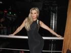Veridiana Freitas usa vestido justinho em sua festa de aniversário