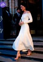 Kate Middletonusa vestido sexy e comportado desenhado por brasileira