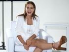 Leandra Leal exibe as pernas em evento em São Paulo