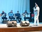 Paulo Onça leva bateria da Grande Rio em lançamento de DVD no AM