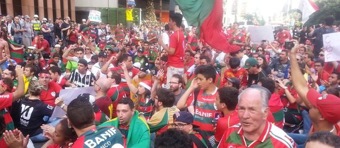 portuguesa protesto (Foto: Rodrigo Faber)