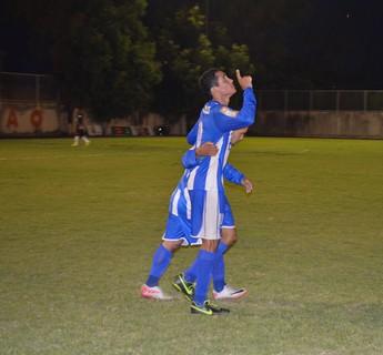 Rafael comemora o gol que deu o título ao São Raimundo-RR (Foto: Nailson Wapichana/GloboEsporte.com)