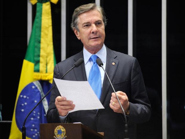 O senador Fernando Collor durante discurso no plenário do Senado, no qual se defendeu das acusações de envolvimento com esquema de corrupção na Petrobras (Foto: Jefferson Rudy /Agência Senado)