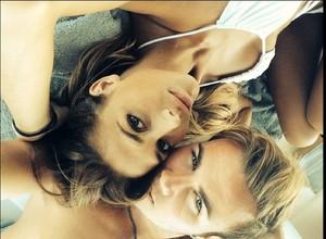 Götze faz foto com a namorada (Foto: Instagram)