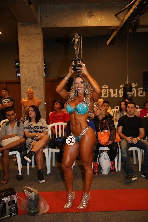 Alessandra Batista vence categoria em concurso fitness (Foto: Davi Borges / MF Models Assessoria )