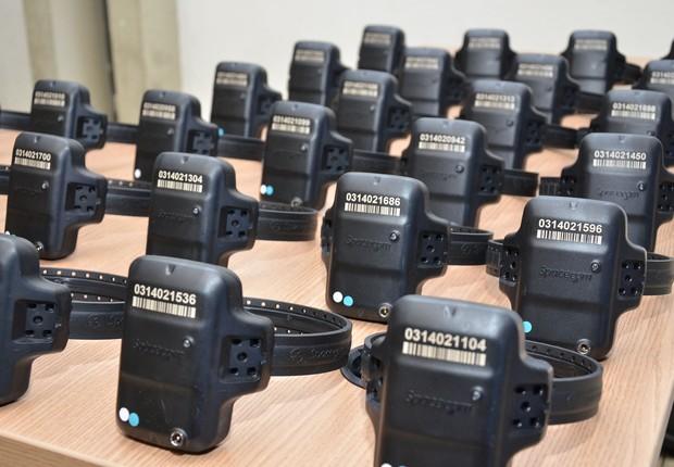 Tornozeleiras eletrônicas dispostas pelo governo do Mato Grosso (Foto: Divulgação/Sejudh-MT)
