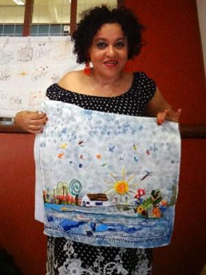 Teresa Barreto, organizadora do Seminário Nacional de Bordado da Unicamp (Foto: Regina Santomauro / G1 Campinas)