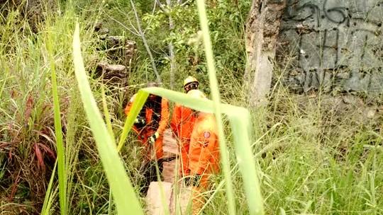 Bombeiros encontram corpo de jovem desaparecido em Poço Azul, no DF
