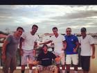 Kléber Bambam posta foto com amigos após saída do 'BBB 13'