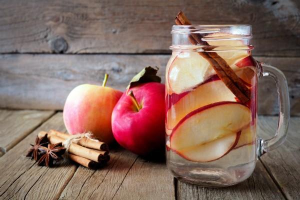 O chá de maçã ajuda a manter a saciedade por mais tempo (Foto: Thinkstock)