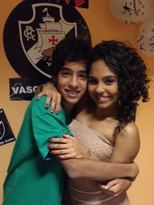 O ator posa ao lado da amiga Bia Cisneiros (Foto: Arquivo Pessoal)