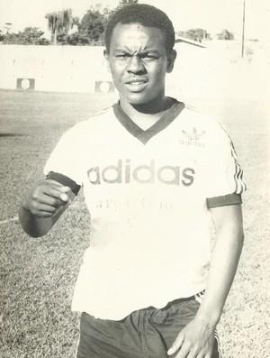 Alfredo já jogou no time profissional do Botafogo (RJ) (Foto: Alfredo Cazuza/Arquivo Pessoal)