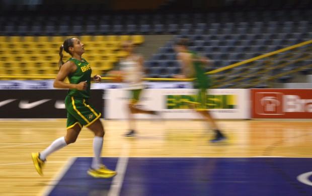 Armadora Adrianinha volta à seleção (Foto: Nikolas Capp)
