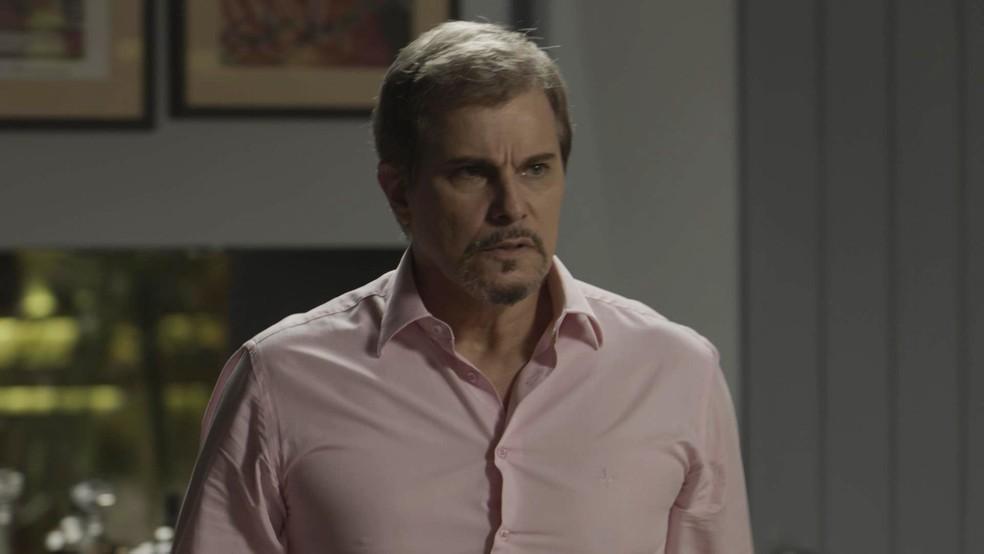 Dantas se irrita com atitude de Ruy (Foto: TV Globo)