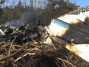 Todas as dez pessoas a bordo de um bimotor morreram no acidente aéreo no município de Almeirim, na região noroeste do Pará. O acidente aconteceu por volta das 20h30 da véspera, e o avião foi encontrado no início da manhã. (Foto: .)