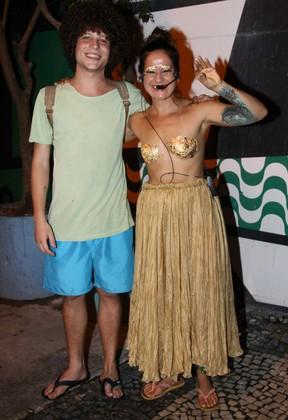 Chicão, filho da cantora Cássia Eller, e Lan Lanh em show no Rio (Foto: Roberto Valverde/ Brazil News)