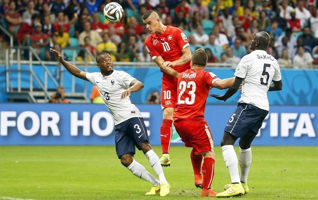 Evra Xhaka Suíça x França (Foto: EFE)