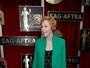 Carol Burnett, homenageada do SAG Awards, usa pantufas em premiação
